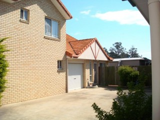 View profile: Comfortable Townhouse - With Pool in Secure Complex