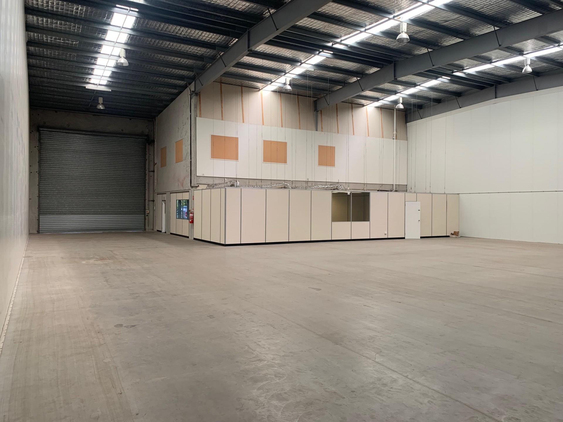Tingalpa's Cleanest Office Warehouse! A 639sqm Premier Tenancy.