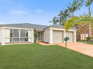 View profile: Modern Family Home in convenient location!
