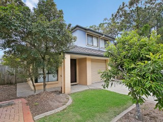 View profile: Well Presented, Modern Townhouse, Desirable Location in Complex