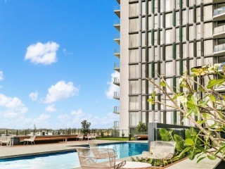 View profile: South Tower - Coorparoo Square - CITY VIEWS + 1 Weeks Free Frent