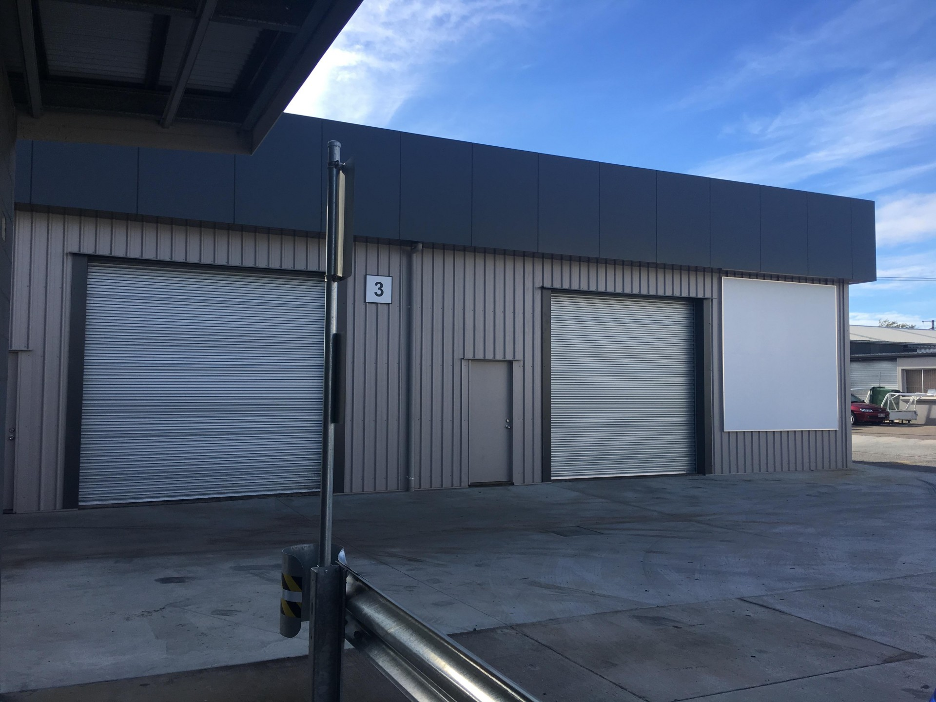 200m2 Warehouse With Hardstand & Main Road Exposure