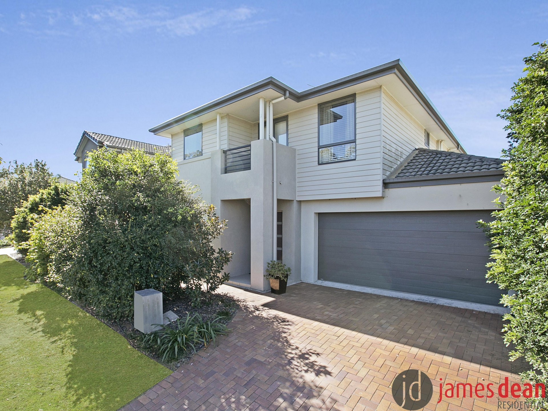 Large Australand Family Home With Study/Office & Ducted Air Conditioning Upstairs