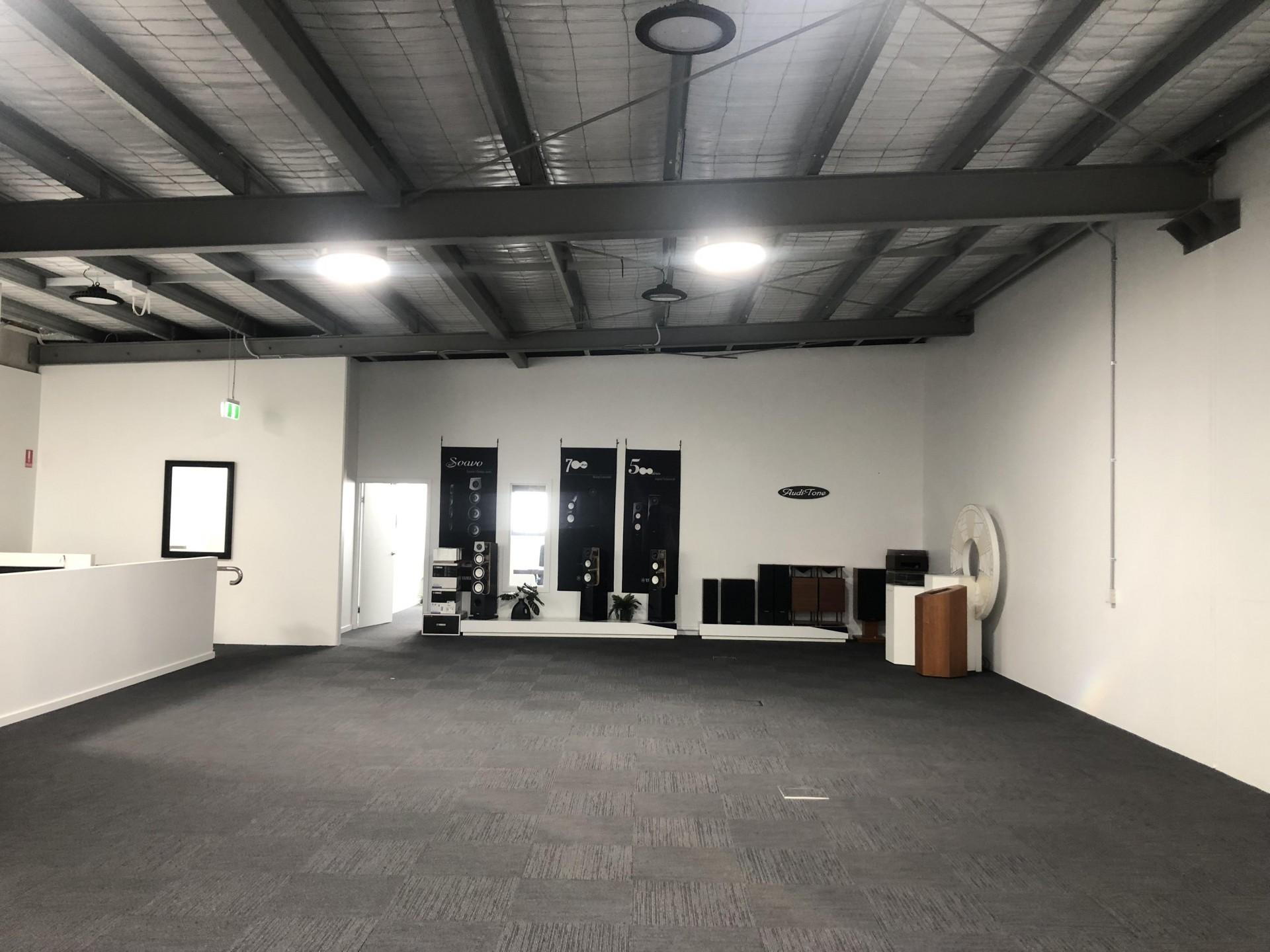 200m2 Open Plan Tingalpa Office