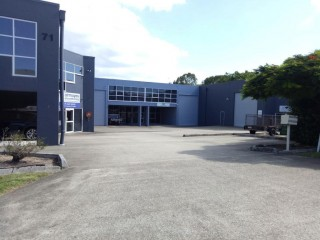 View profile: VACANT & READY TO GO - 335m2 OFFICE WAREHOUSE
