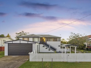 View profile: Dual Living – Beautifully Renovated – Side Access.