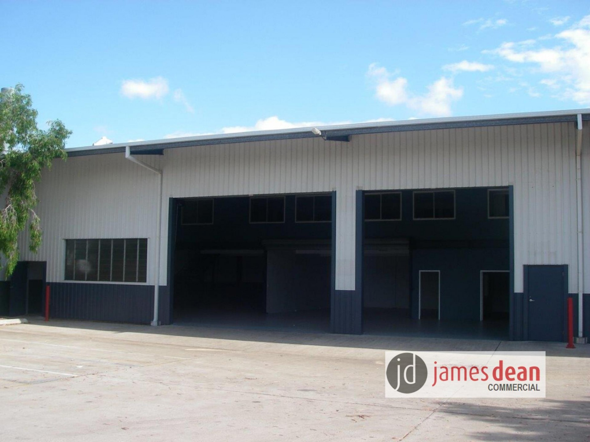 635sqm* Metal Clad Office/Warehouse