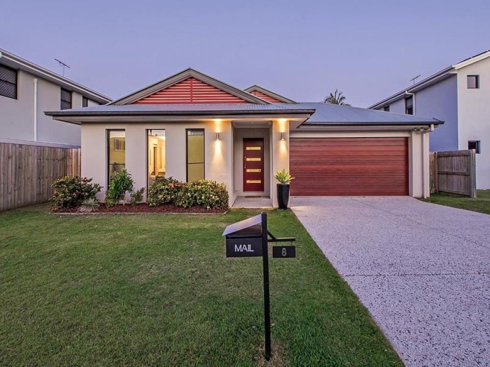 Gumdale Links Plantation Home With Ducted Air Conditioning - 500M from Local Eastside Village Shops