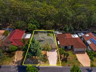 View profile: Private & Peaceful Lifestyle in Sought after Belmont