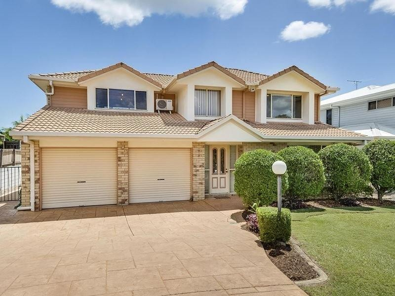 Great Family Belmont Home With Air Conditioning in Three Bedrooms