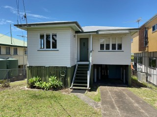 View profile: Convenience In The Heart Of Manly!