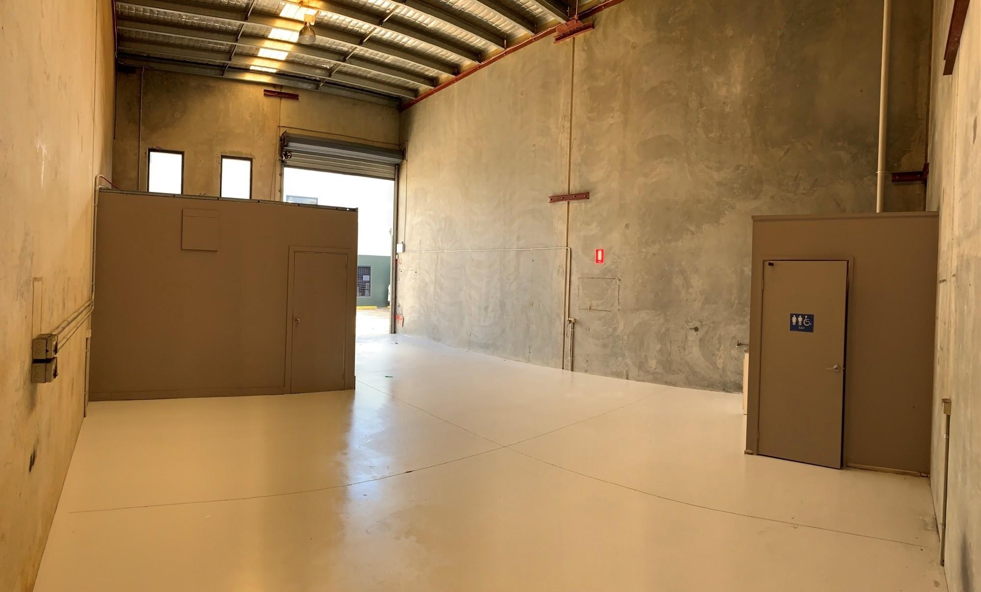 105m2 Modern Tilt Slab Office Warehouse - Capalaba