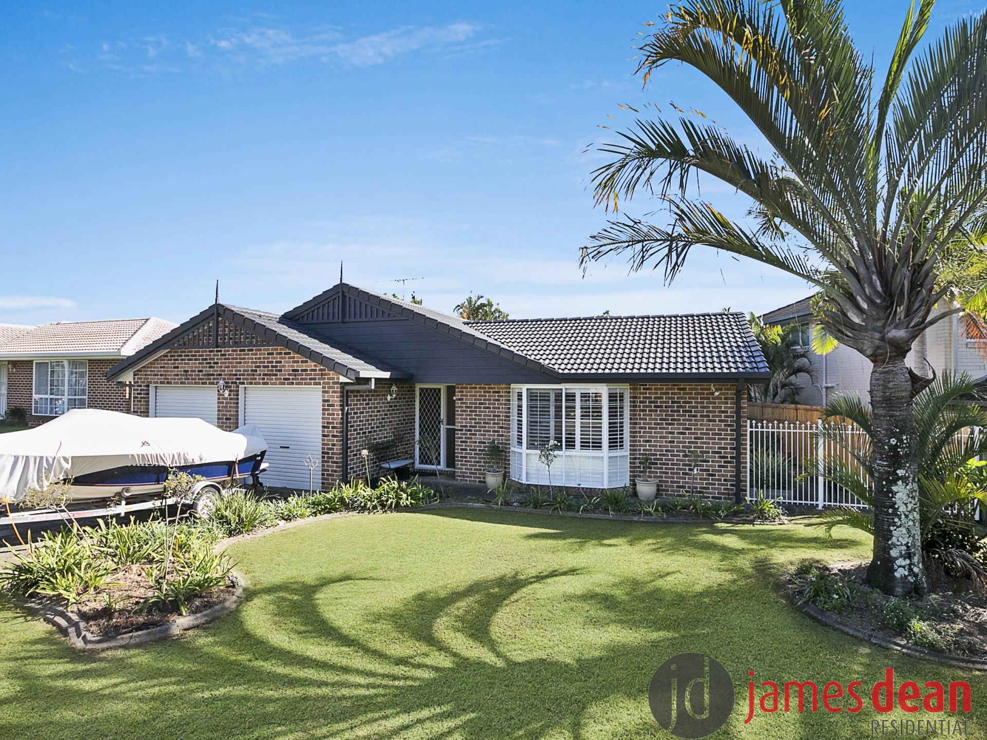 Fantastic Tingalpa Family Home With Inground Pool & Solar Panels