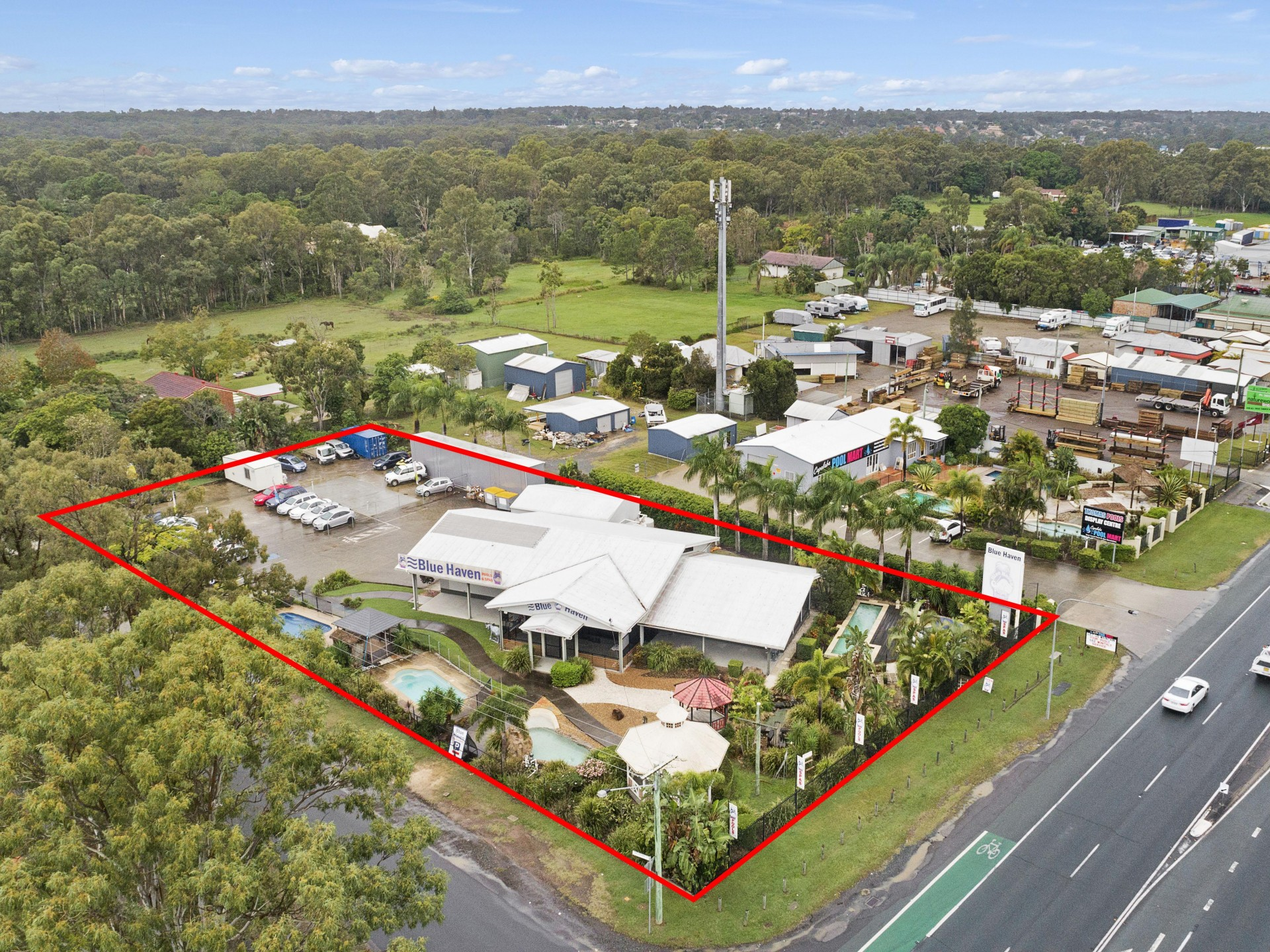RED HOT DISPLAY CENTRE – CAPALABA TRADE PRECINCT!!