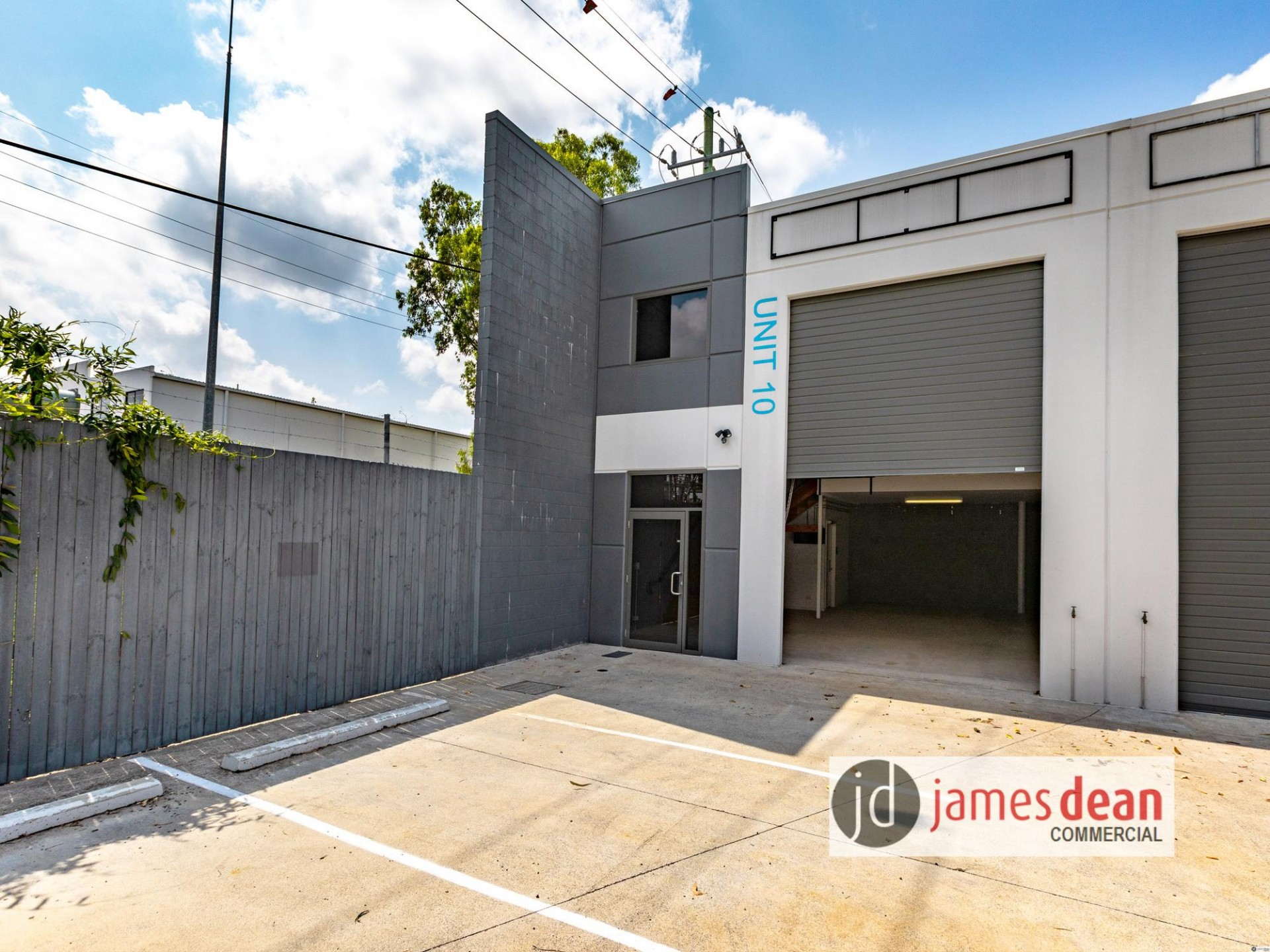 VACANT - READY NOW! 93sqm* OFFICE / WAREHOUSE