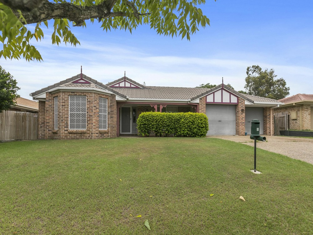 Freshly Repainted & Re-carpeted Spacious Family Home in a Quiet Tingalpa Location