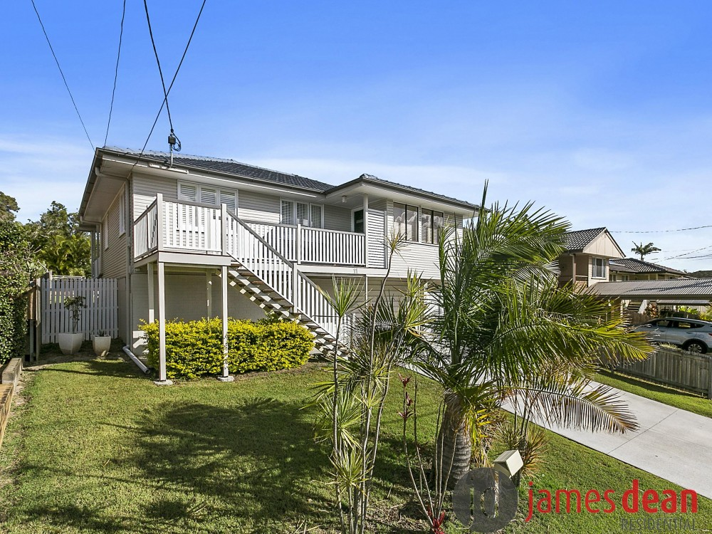 Renovated Carina Home with Huge Deck and Inground Pool