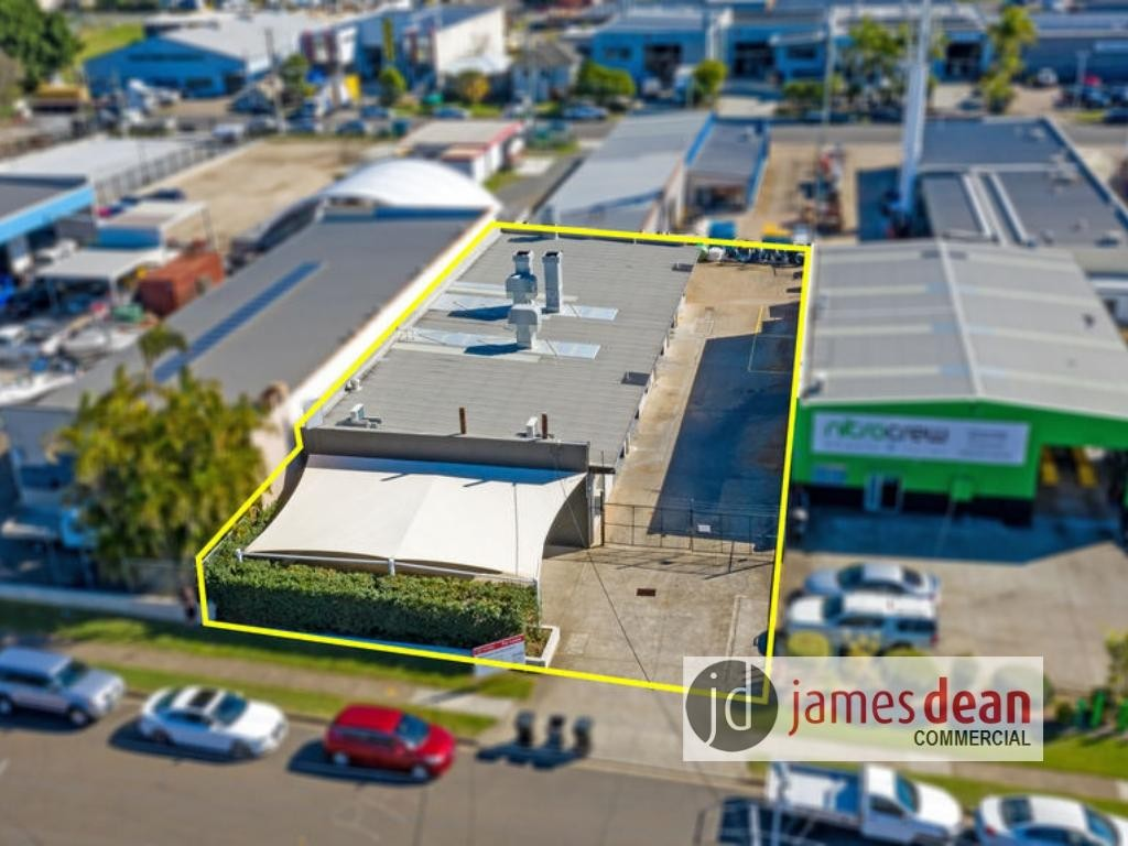 425m2 Warehouse With Off-Street Parking & Spray Booth