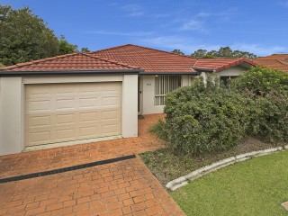 View profile: Low Set Belmont Villa With Air Conditioning - In Secure Complex With a Pool