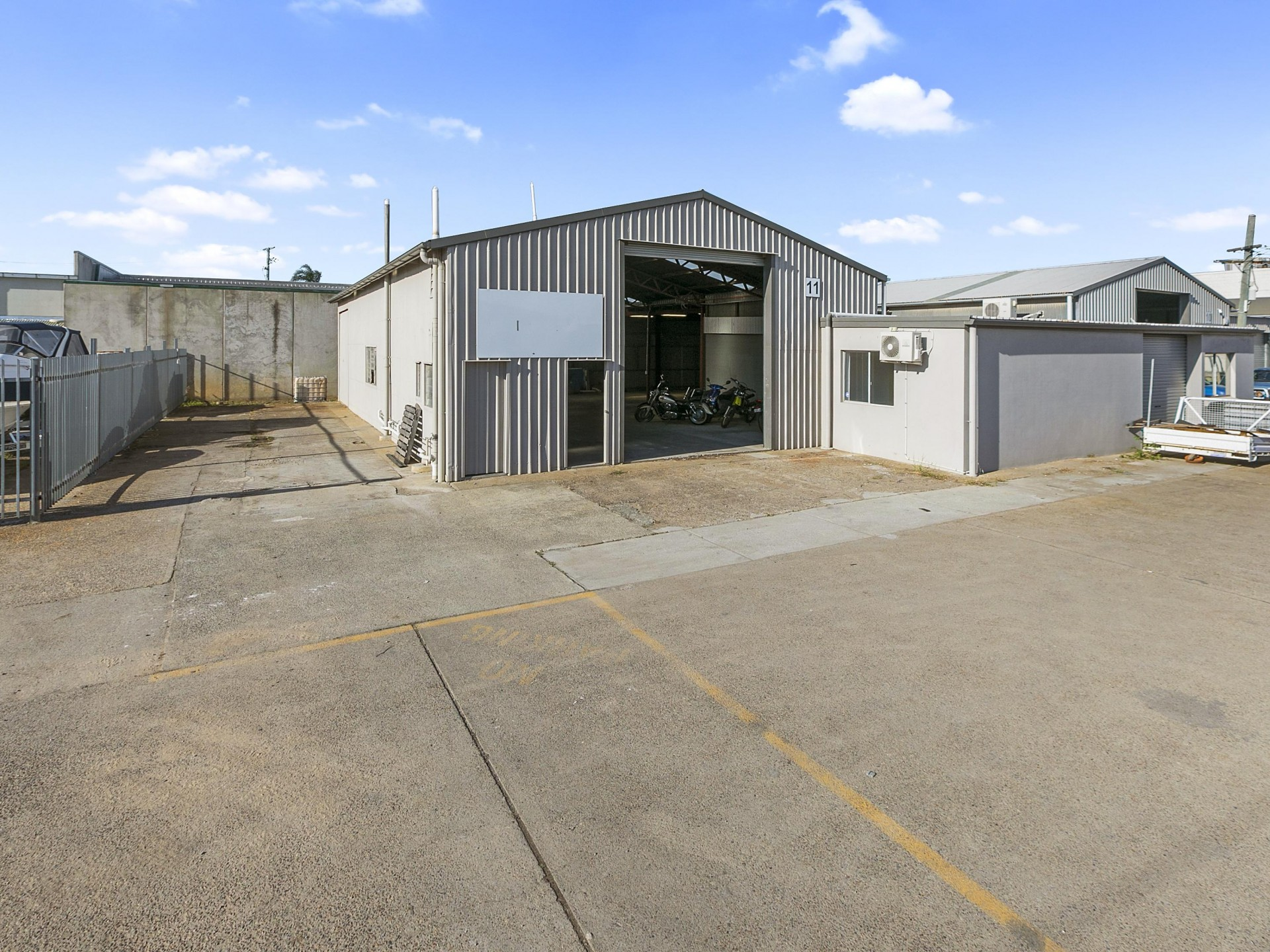 200m2 - 300M2 Sheds Available Now - Incentives On Offer!