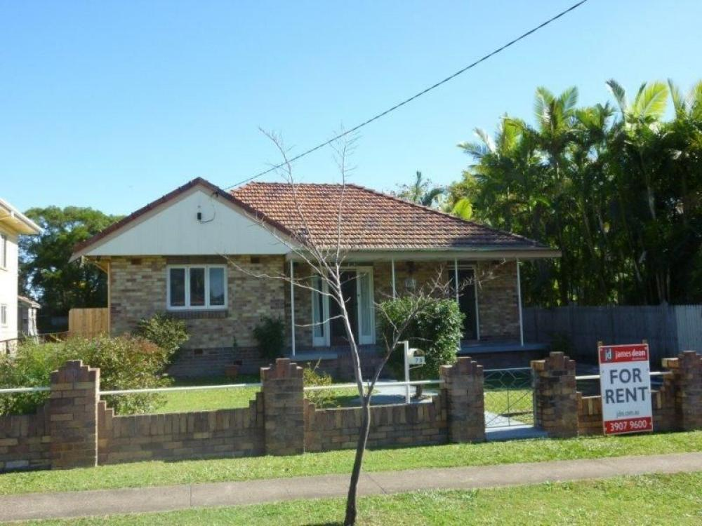 Tingalpa Cottage With Great School Shop & Bus Access