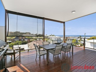 View profile: Spectacular Harbour & Island Views
