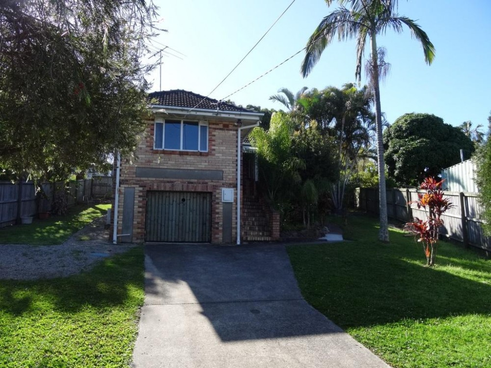 Renovated 2 Bedroom Home - Prime Manly Location