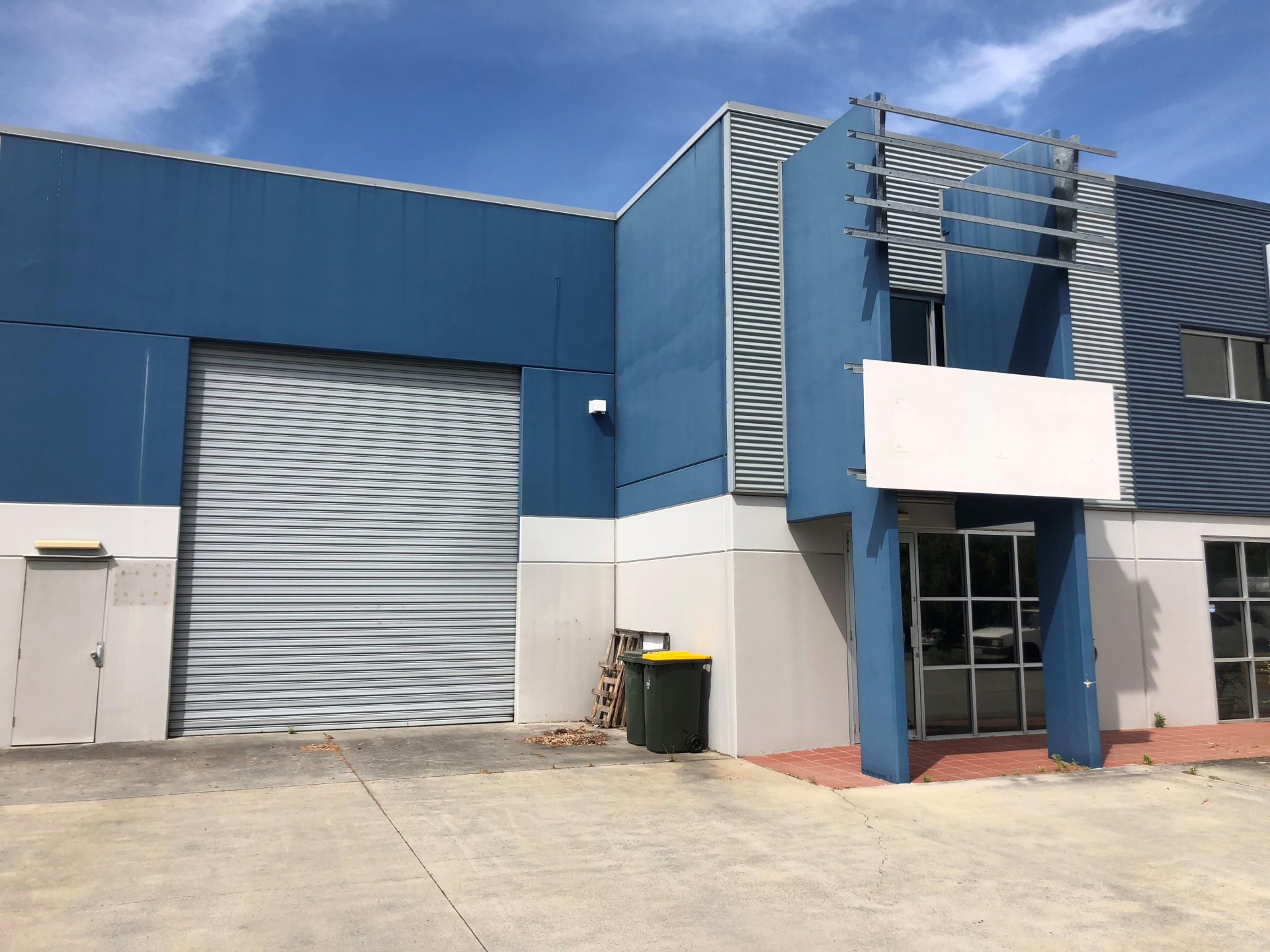 350m2 Modern Office Warehouse - Ready Now!