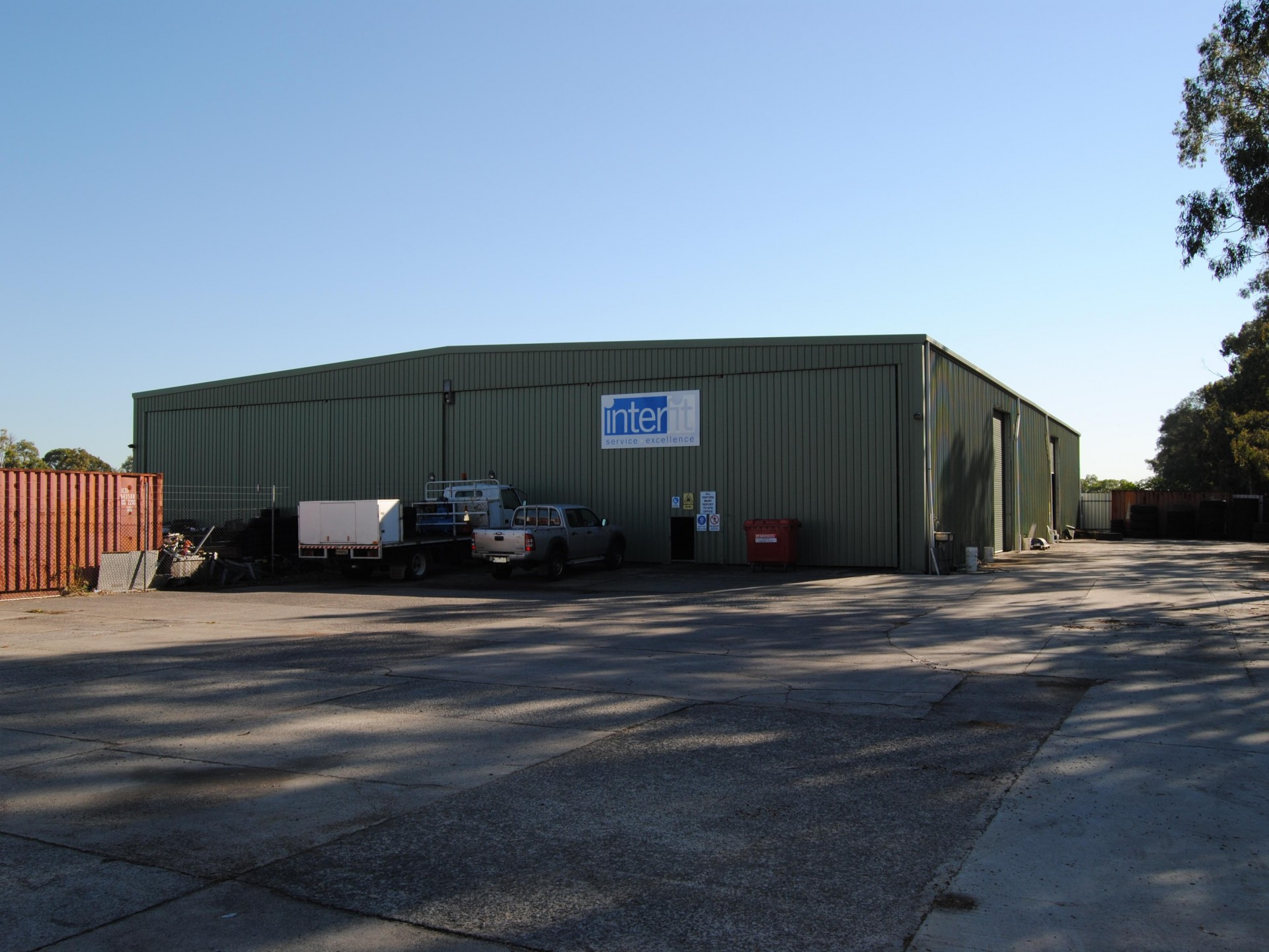 600m2 Clearspan Warehouse With 2,125m2 Sealed Hardstand
