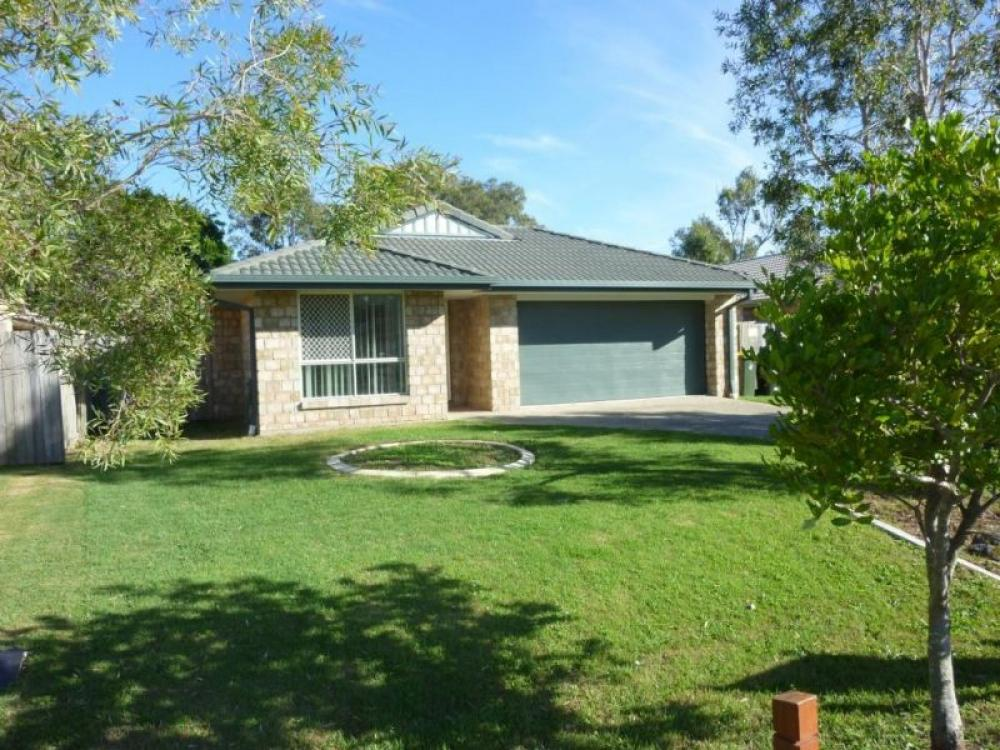 Four Bedroom Family Home with Air Conditioning - Wynnum West