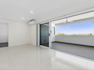 View profile: Near New Stylish Apartment in Quiet Location