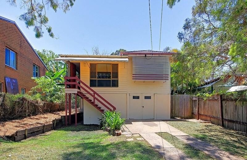Quaint Traditional Queensland Home In A Great Bayside Location