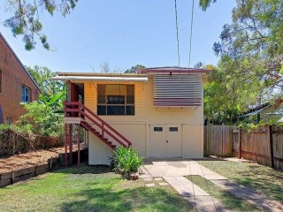 View profile: Quaint Traditional Queensland Home In A Great Bayside Location
