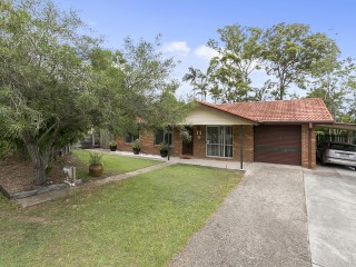 View profile: Lowset Family Home - BE QUICK!