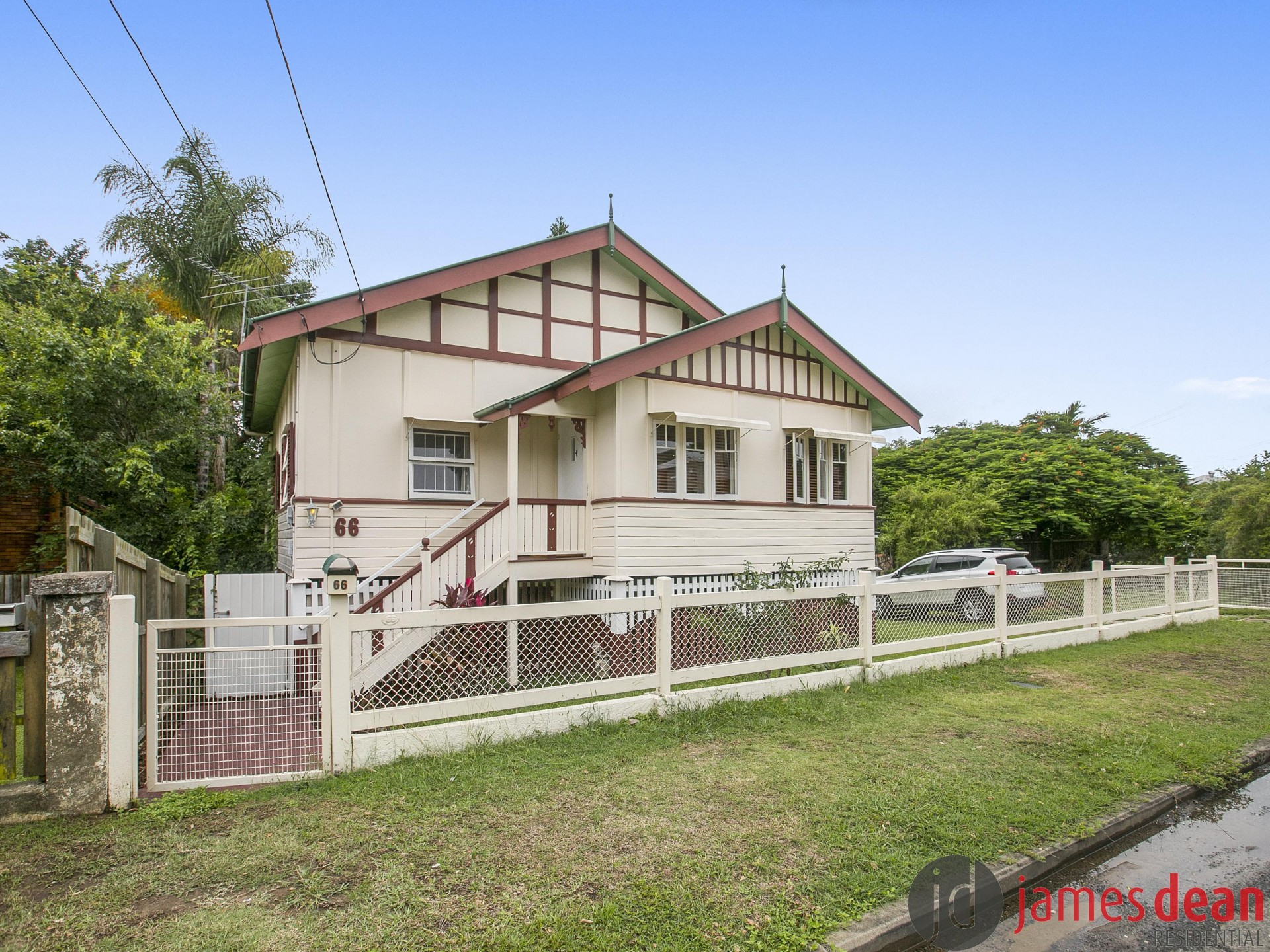 Quaint Queenslander in an Ultra Convenient Location