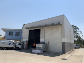 View profile: 432sqm* Tilt Slab Office/Warehouse - Mansfield