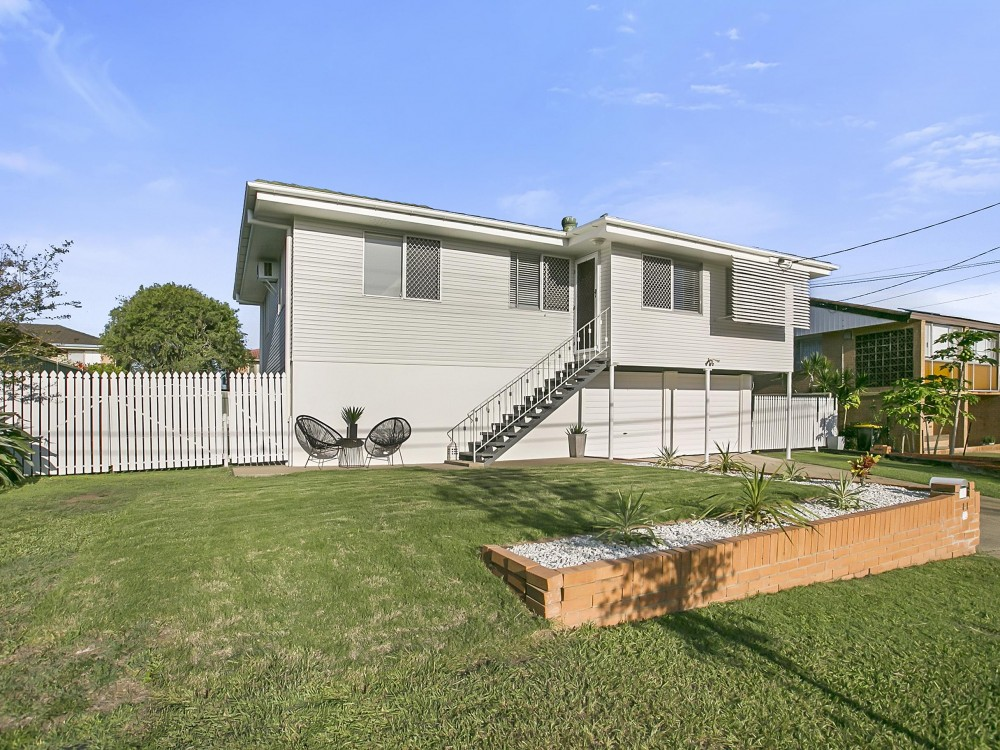 Beautifully Presented Tingalpa Home With Inground Pool & A Great Yard For The Kids