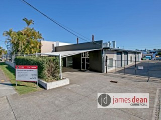 View profile: 425m2 Warehouse With Off-Street Parking & Spray Booth