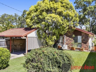 View profile: Neat and Tidy Home just a stones throw from the Esplanade!