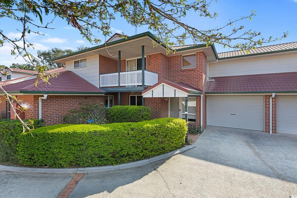 Low Maintenance Morningside Townhouse with Great Convenience