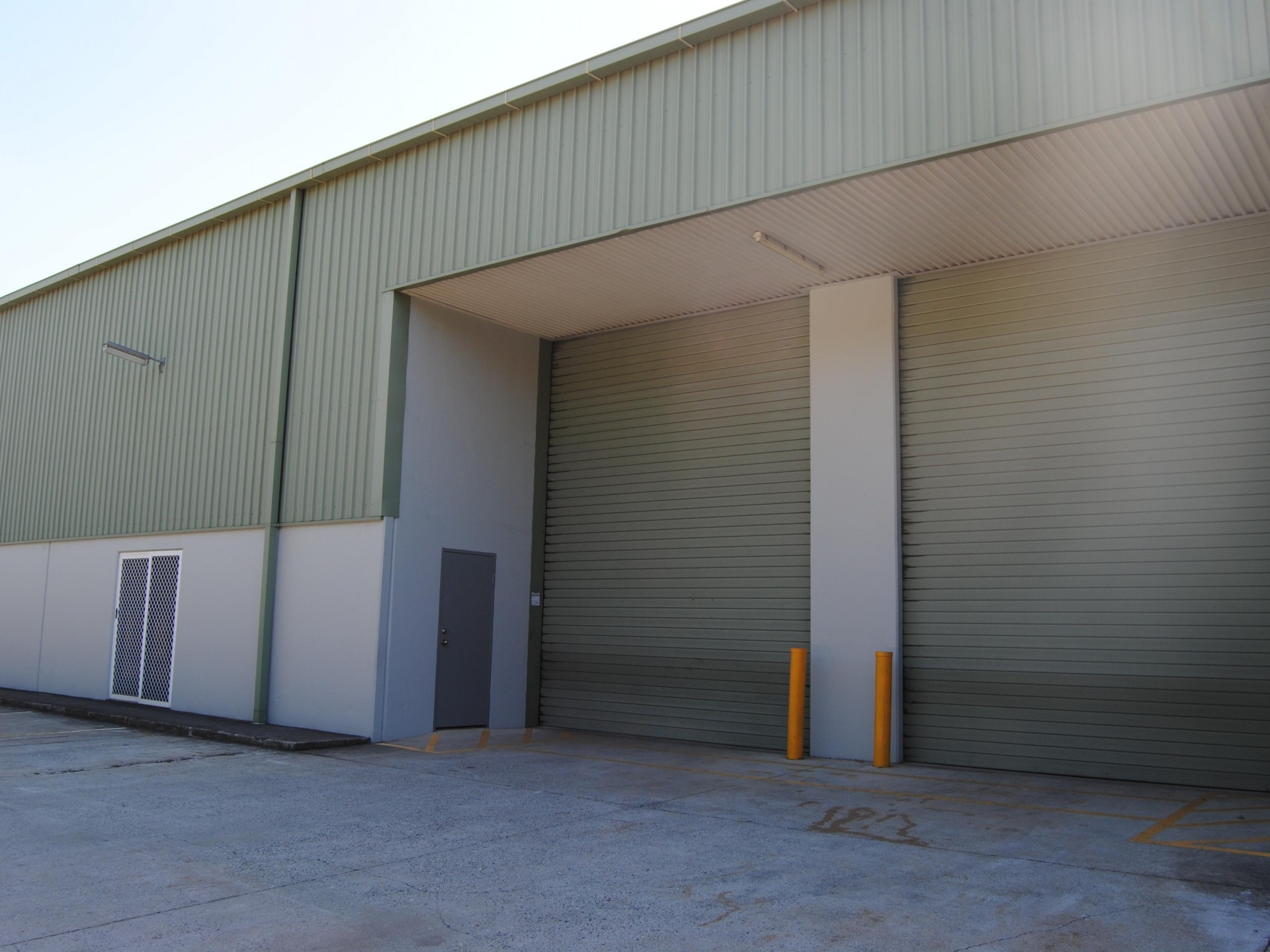 300m2 - 600m2 Warhouse Options With Offices & Amenities