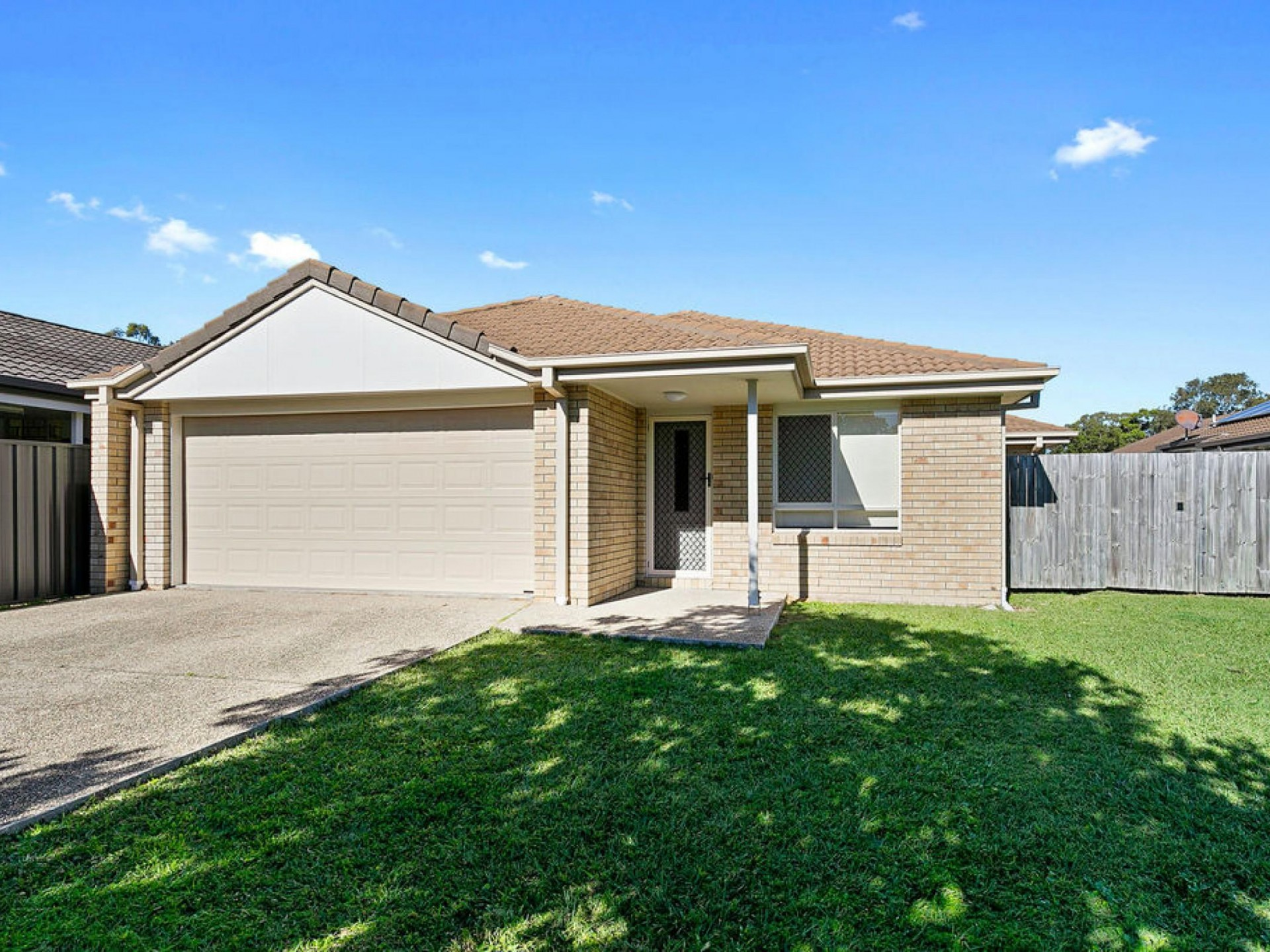 MODERN FAMILY HOME - CONVENIENTLY LOCATED