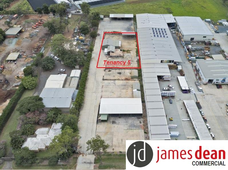 1,600m2 Site With Offices & Sheds