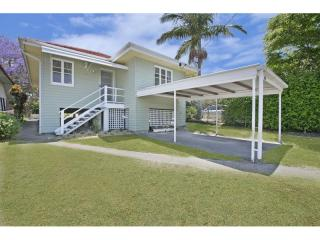 View profile: Fully Renovated Wynnum Home!