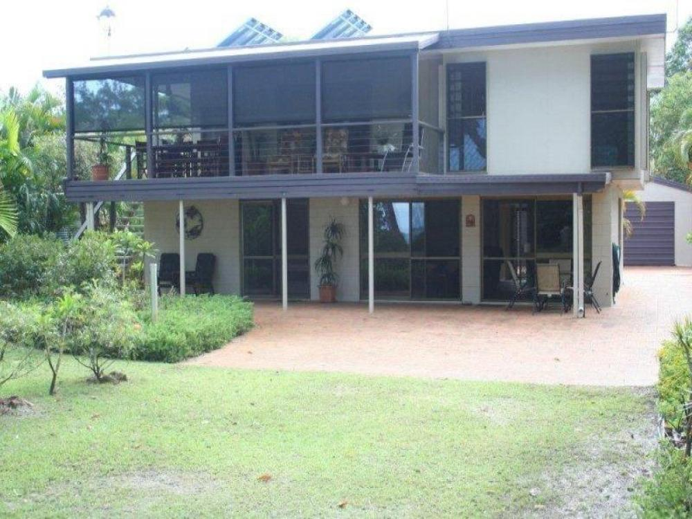 LOCATION, LOCATION, LOCATION - MAGNIFICENT WATER VIEWS